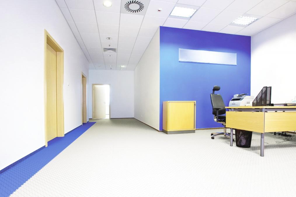 Mobiler PVC-Boden im Büro in schwimmender Verlegung